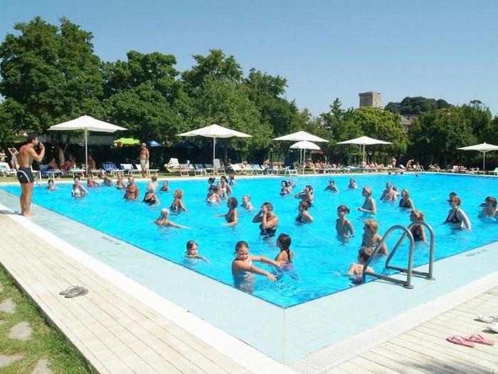 Parco delle piscine sarteano siena for Allergia al cloro delle piscine
