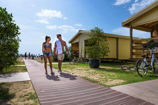 Maiangebot: Glamping-Urlaub in Bibione auf dem Campingplatz am Meer